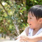 保育での水遊びに、ちょっと変わった道具を出してみませんか?